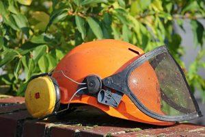 Pracovná prilba a iné ochrany zdravia